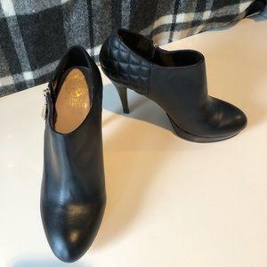 Vince Camuto platform heels - black size 8